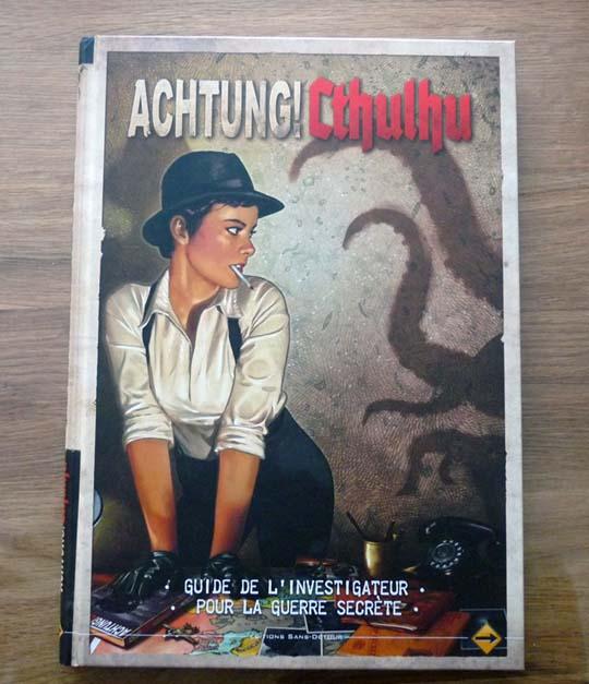 Feuilletage de Achtung! Cthulhu le Guide de l'Investigateur pour la GuerreSecrète
